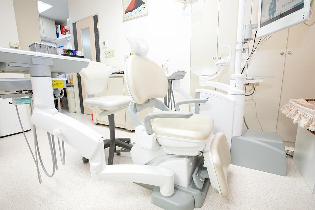 もとはら歯科クリニックの診察台1